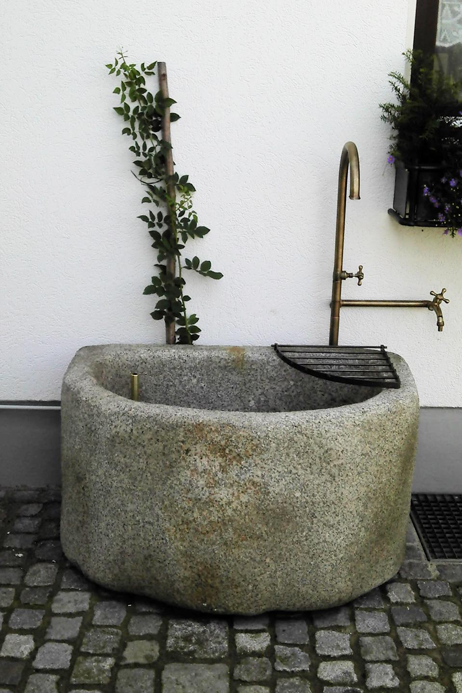 00_Brunnen_Goetting_960x1440